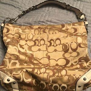 Coach purse. Excellent condition.